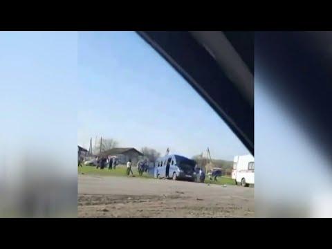 Дети погибли в страшной аварии в Ставропольском крае с участием автобуса, микроавтобуса и грузовика.