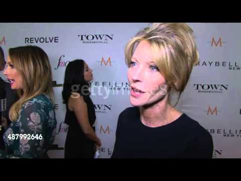 Elle's Robbie Myers talks Fashion Media Awards on the red carpet