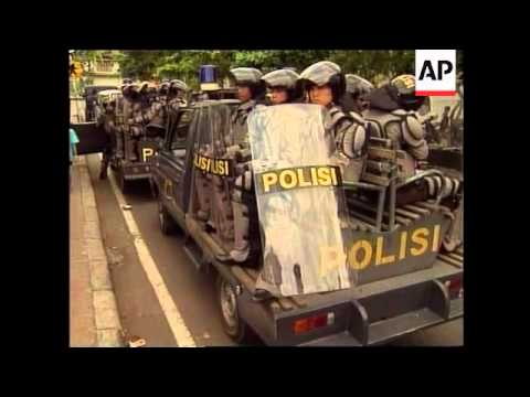 INDONESIA: BALI: ELECTION CAMPAIGNING BEGINS