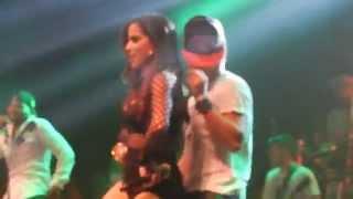 Anitta Flertando Dançarino do Psirico em Salvador