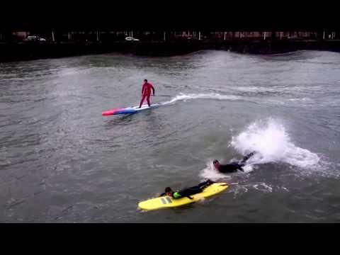 SURF en el URUMEA. OLAS GIGANTES en DONOSTIA- SAN SEBASTIÁN (Urumea, kurssal, Kontxa) Y ZARAUTZ
