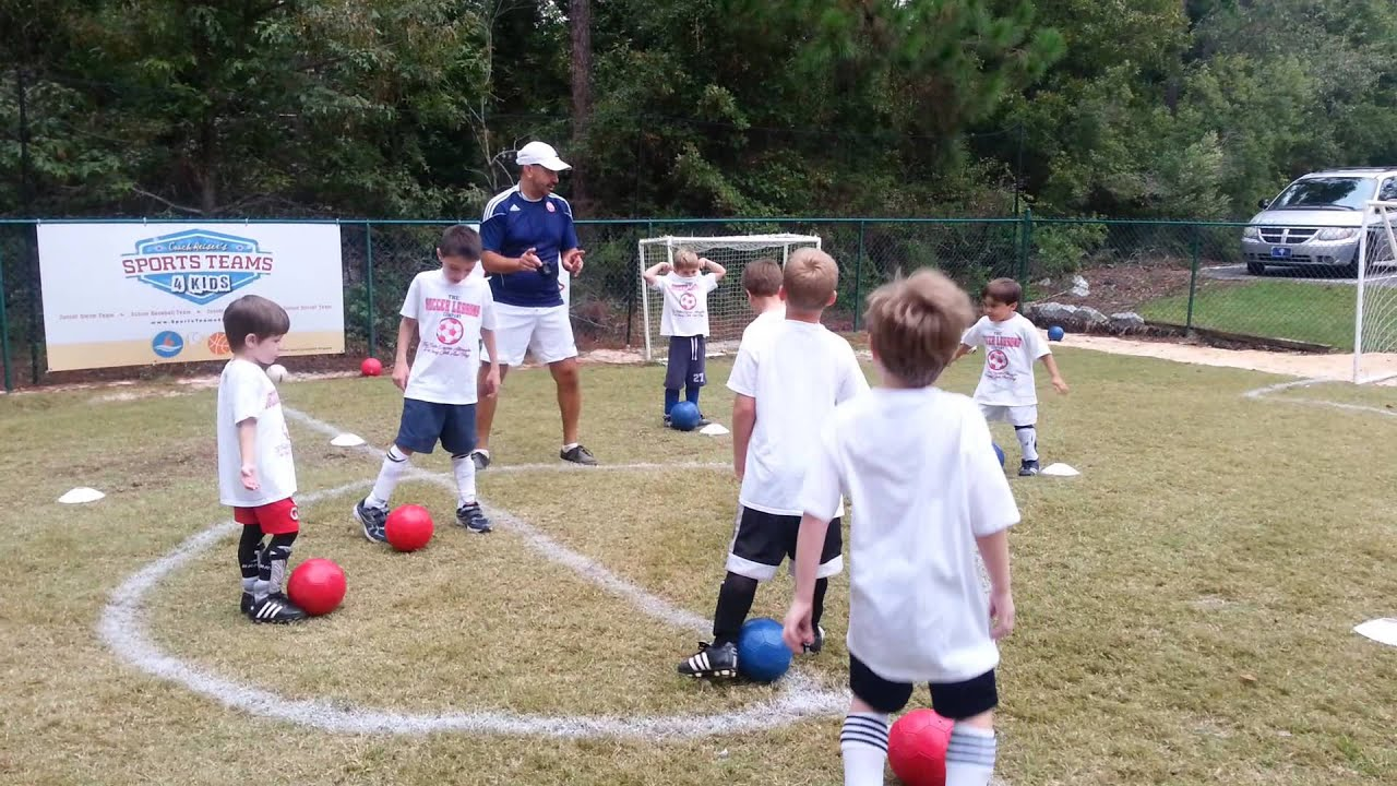 Soccer (5 & 6 yrs): Dribbling Warm-up Activity - YouTube