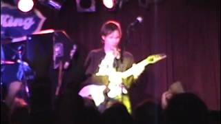 "Yellow Matter Custard - ""While My Guitar Gently Weeps"" (Paul Gilbert AMAZING SOLO)"