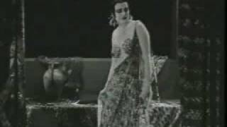 "Theda Bara ""Cleopatra"" (1917) surviving footage.flv"