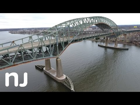 How to get around the closed Delaware River Turnpike Bridge