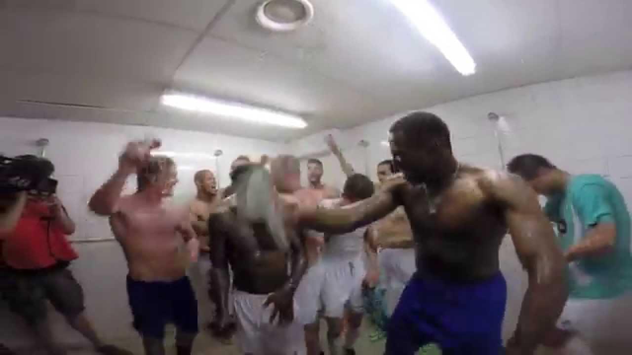 Promotie Fc Dordrecht De Spelers Vieren Feest In De