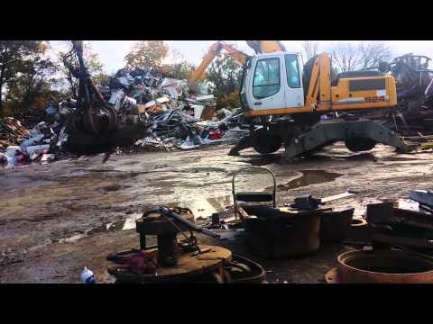 Scrap Yard Fun Day     Heavy Equipment At Work