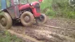 Civija prevrce traktor