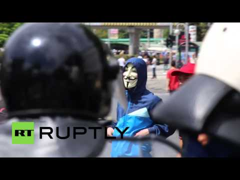Macedonia: Ethnic Albanians Face-off Against Cops At Skopje Protest