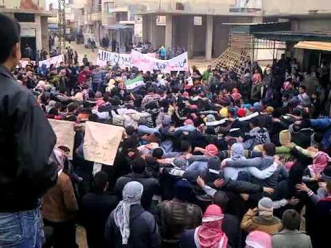 مظاهرة حماه حي كازو جمعة زحف الى ساحات الحرية 30 12 2011 ج2