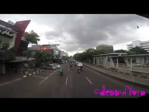 Free Jakarta hop-on hop-off bus for tourists (Full-HD)