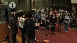Download Lagu Kings and Queens-30 Seconds to Mars BBC Radio 1 mp3
