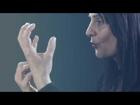 """Canción en lengua de signos española (LSE) - """"Sonríe"""" (XMILE)"""