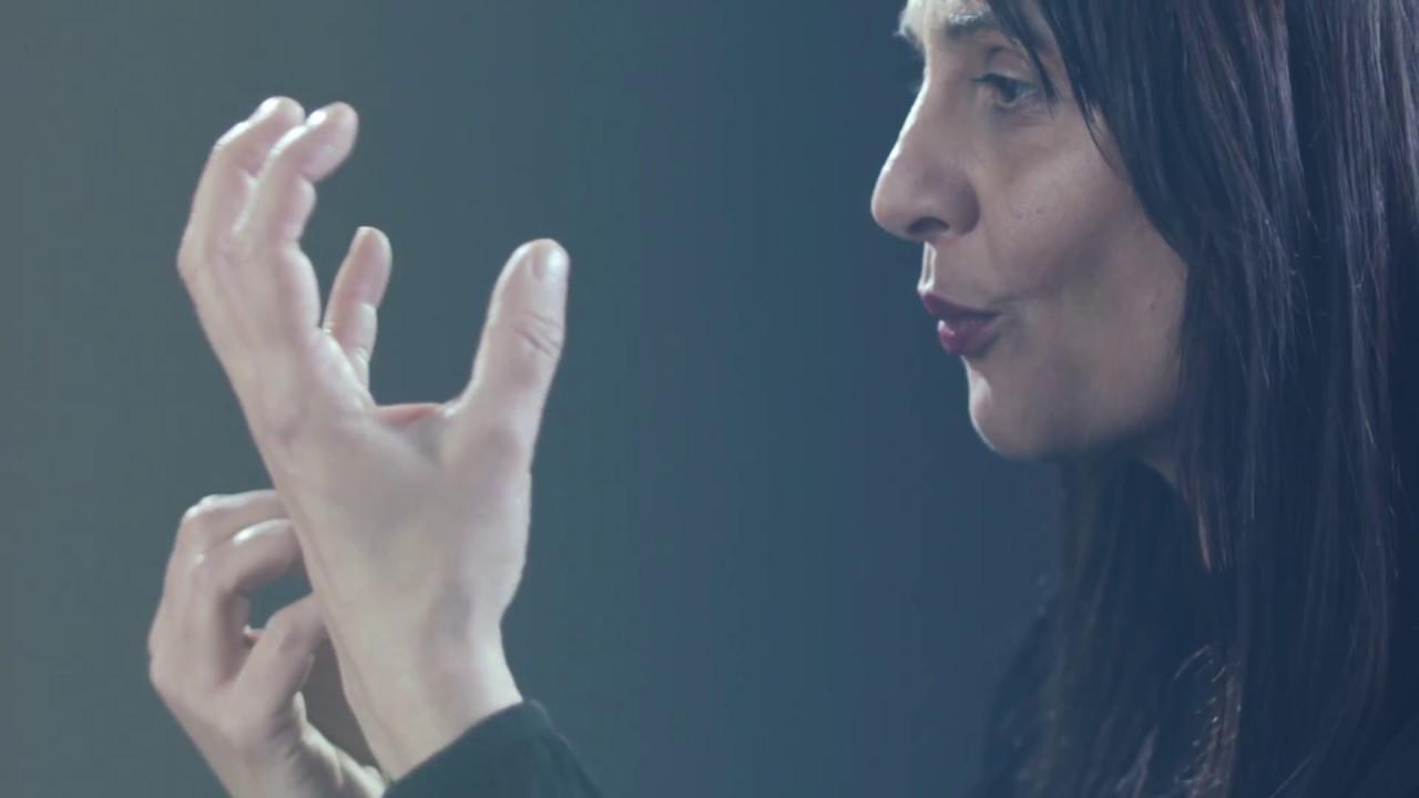 "Canción en lengua de signos española (LSE) - Vídeoclip XMILE: ""Sonríe"""