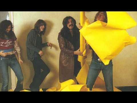 Led Zeppelin - Black Dog (first time live) - Belfast 1971