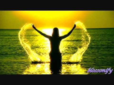 Mariah  Carey  Hero Lyrics ♥ ♫ ♪ ♪ ♪ ♥