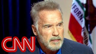 Arnold Schwarzenegger: Politics 'sucks'
