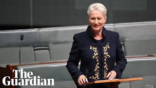 Kerryn Phelps gives maiden speech, calls for compassion for asylum seekers