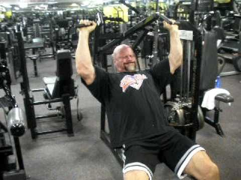 """WWE Wrestler Terry """"The Warlord"""" Presses 440 lbs For Reps (Shoulder Press Machine)"""