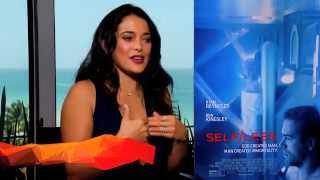 Ver Self/less - Inmortal - Natalie Martínez y su beso con Ryan Reynolds  - Crackle VIP