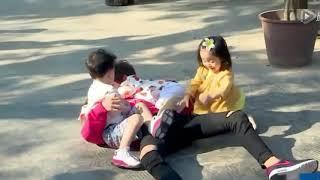 """Chia tay show Baby Let Me Go , Dịch Dương Thiên Tỉ bị """" cưỡng hôn tập thể'"""