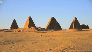 وسط أزمة تشمل قطر ومصر.. عدسة سي أن أن تكشف أسرار أهرام السودان