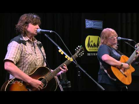Indigo Girls - Share The Moon (Live in the Bing Lounge)