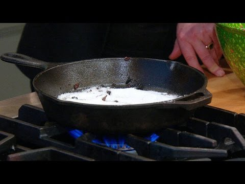 How to Effortlessly Clean a Cast Iron Pan