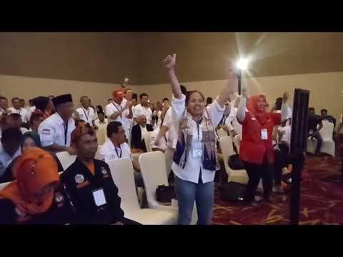 Yel Yel Tim Kampanye Warnai Debat Kedua Paslon Pilwalkot Cirebon