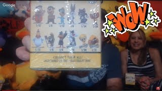 Looney Tunes Blind Boxes! I Talk about Claw Council Hangout at Round 1 Arcade with The Midway Maniac