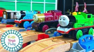 Thomas the Train World's Fastest Engine | Mystery Wheel Toy Train Races