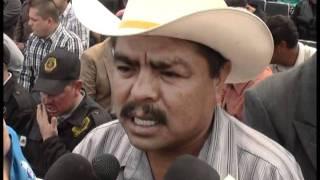 EN HAMBRUNA CONSTANTE 30 MIL HABITANTES DEL MEZQUITAL