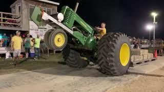 Big tire John Deere Pulling