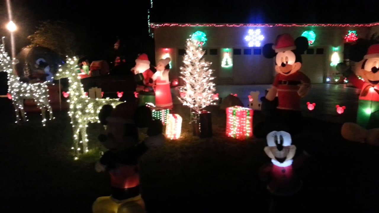 mickey mousedisney x mas yard decorations in fl youtube - Mickey Mouse Christmas Lawn Decorations