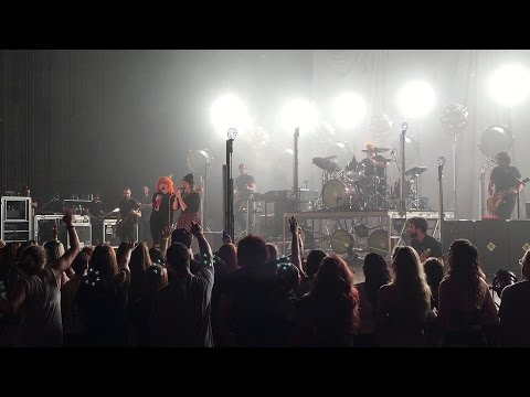 MISERY BUSINESS - PARAMORE - WANG THEATER - BOSTON - MAY 5, 2015 - WITH ABBIE JACKMAN (FAN SINGS)