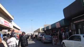 Видео Walking the streets of Maseru, Lesotho от Michael Drew, Лесото
