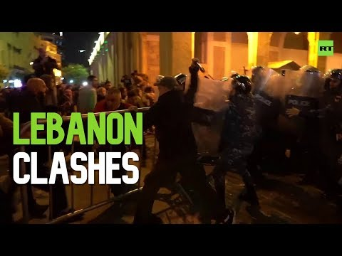 Anti-govt protesters clash with police in Beirut, Lebanon
