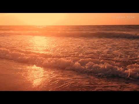 Восход Солнца над красивым морским прибоем в 4K Ultra HD для релаксации и отдыха