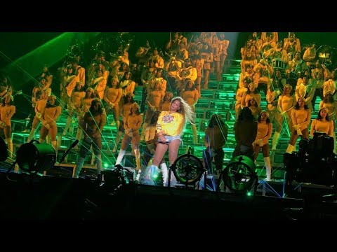 Beyoncé - Drunk In Love / Swag Surfin' / Diva / Everybody Mad Coachella Weekend 1