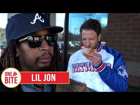 (Lil Jon) Barstool Pizza Review - Mellow Mushroom (Atlanta,GA) With Special Guest Lil Jon