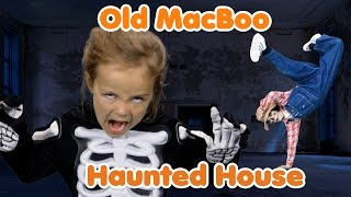 Old MacBoo Halloween Song (Old MacDonald Had a Farm)   Halloween Costumes for Kids