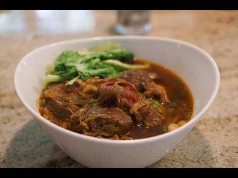 Cooking with Mom - Taiwanese-style Braised Beef Noodle Soup
