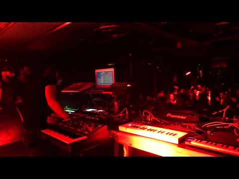 Robert Parker Live In Paris At Club Batofar, Retro Synth Fury 4
