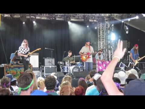 "Rayland Baxter ""Yellow Eyes"" Live @ Bonnaroo 2016"