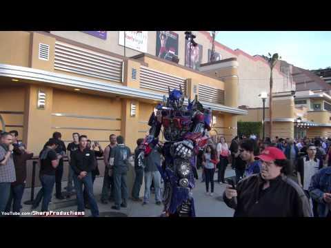 Optimus Prime walking around at Universal Studios Hollywood