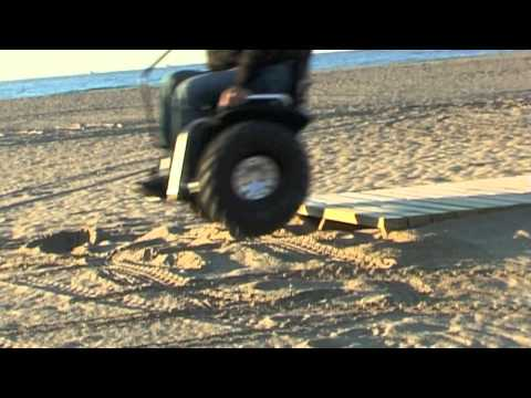 Segway wheelchair conversion the sui generis seat doovi for Sedia a rotelle tuning