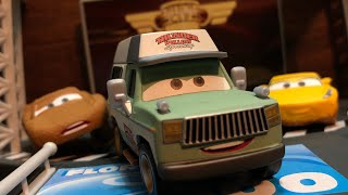 Disney Pixar 2018 Accurate Deluxe Roscoe Diecast Review! ~ Thunder Hollow Series