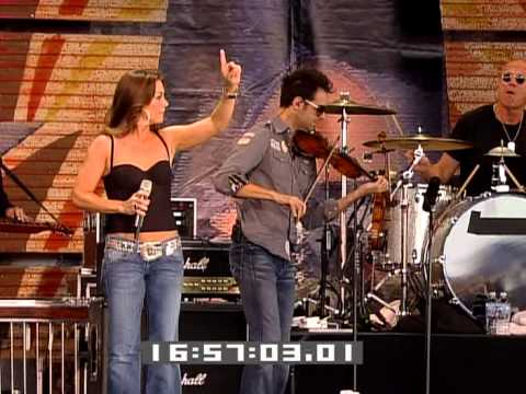 Gretchen Wilson - All Jacked Up (Live at Farm Aid 2009)