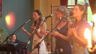 Ayla Nereo & MaMuse performing Ayla's song 'Winds of the West' at t...