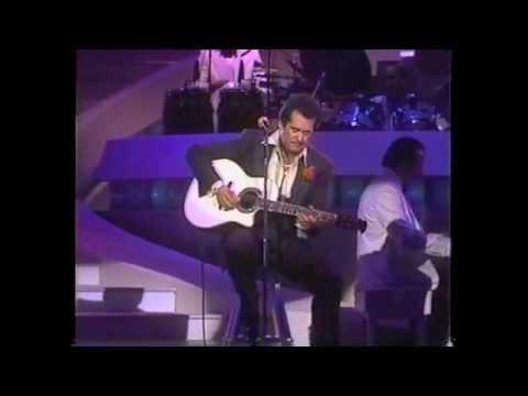 Wayne Newton: Spanish Eyes { At The Las Vegas Hilton  5231989}